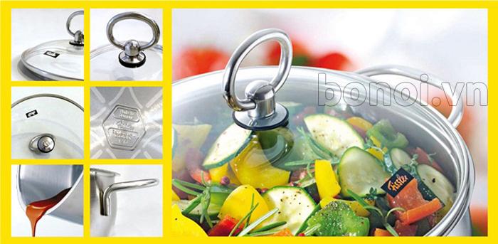 Nắp bằng kính chịu lực trong suốt dễ dàng theo dõi được thức ăn trong quá trình nấu nướng