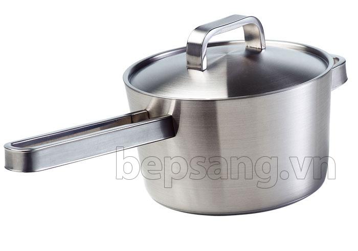 Quánh có quai cầm dài chống nóng tiện dụng khi nấu