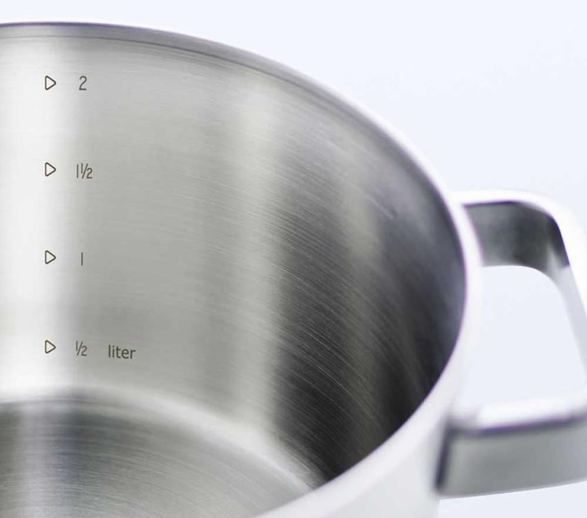 BK Conical Glas có vạch chia mức nước giúp người nội trợ dễ dàng định lượng thức ăn